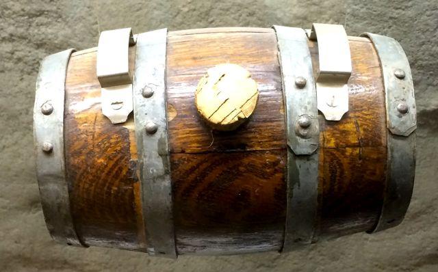 tonnelet de chien saint bernard (musée de l'hospice du col du Grand Saint Bernard)