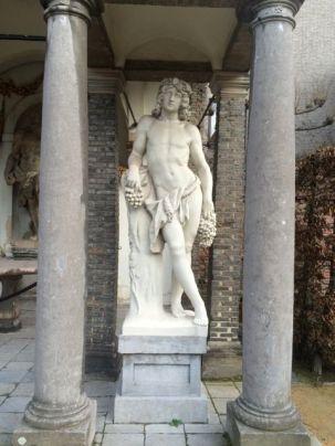 statuebacchus