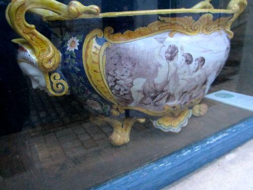 vase bachique